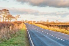 苏格兰乡下公路在秋天 库存照片