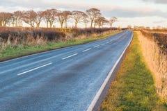 苏格兰乡下公路在秋天 免版税库存照片
