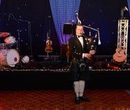 苏格兰吹风笛者 库存图片