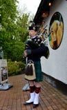 苏格兰吹风笛者 库存照片