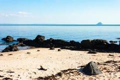 苏格兰海岸艾尔萨岩, Kildonan,阿伦岛,苏格兰 库存图片