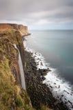 苏格兰男用短裙岩石,斯凯岛小岛  图库摄影