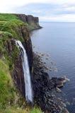 苏格兰男用短裙岩石Watterfall 图库摄影
