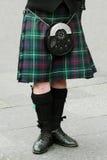 苏格兰男用短裙苏格兰人毛皮袋 免版税库存照片