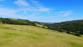 苏格兰-空中寄生虫飞行的绿色高地 影视素材