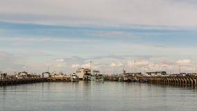 苏梅岛,泰国- 2月04 :在酸值苏梅岛,泰国的Na Thon码头 免版税图库摄影