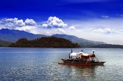 苏比克湾菲律宾小船。 图库摄影