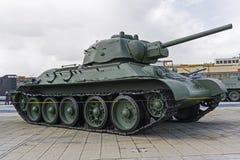 苏联中型油箱T-34-76模型1943年在军用设备博物馆  图库摄影
