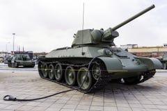 苏联中型油箱T-34-76模型1942年在军用设备博物馆  图库摄影