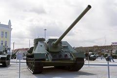 苏联反坦克装甲车SU-100在军用设备博物馆  免版税库存图片
