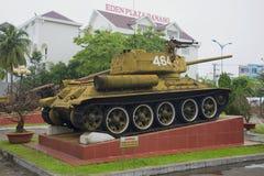 苏联坦克T-34-85在岘港市,越南 越南战争的纪念碑 库存图片