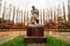苏联战争纪念建筑在Treptower公园,柏林,德国全景 图库摄影