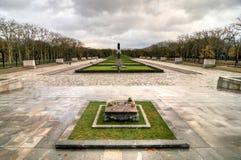 苏联战争纪念建筑在Treptower公园,柏林,德国全景 免版税库存图片