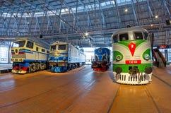 苏联的时期的不同的机车 俄国 圣彼德堡 俄罗斯2017年12月21的博物馆铁路日 免版税库存图片