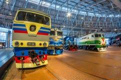 苏联的时期的不同的机车 俄国 圣彼德堡 俄罗斯2017年12月21的博物馆铁路日 库存照片