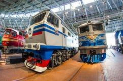苏联的时期的老电,内燃机车 俄罗斯圣彼德堡 2017年11月02日 免版税库存图片
