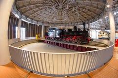 苏联的时期的老蒸汽机车 俄国 圣彼德堡 俄罗斯2017年12月21的博物馆铁路日 库存照片