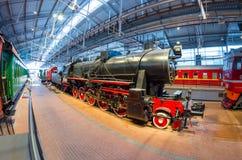 苏联的时期的老蒸汽机车 俄国 圣彼德堡 俄罗斯2017年12月21的博物馆铁路日 免版税图库摄影