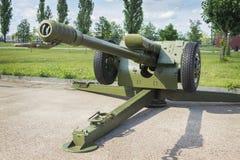 苏联短程高射炮D-30, 122 mm 免版税库存照片