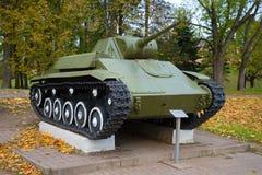 苏联轻型坦克T-70M, 10月天 胜利纪念品的片段在巨大爱国战争中 免版税库存照片