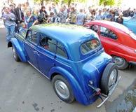苏联经济汽车20世纪50年代轿车Moskvitch 401 免版税库存照片