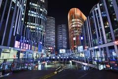 苏荷区三里屯办公楼在晚上,北京,中国 免版税库存照片