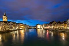 苏黎世利马特河河在晚上 免版税库存图片
