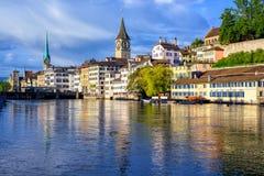 苏黎世和尖沙咀钟楼,瑞士老镇  库存照片