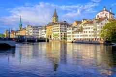 苏黎世和尖沙咀钟楼,瑞士老镇  图库摄影
