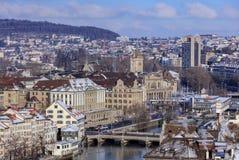 苏黎世都市风景在冬天 免版税库存图片