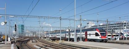 从苏黎世主要火车站的平台的看法 免版税图库摄影