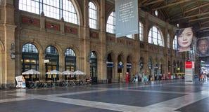 苏黎世主要火车站的霍尔 免版税库存照片