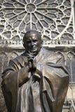 若望保禄二世雕象在巴黎,法国 库存图片