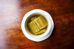 苦涩汤与吃米可口早餐 库存图片