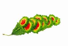苦瓜属在白色背景隔绝的charantia果子 免版税库存照片