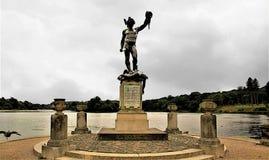 英仙星座和水母,特伦特姆庭院,特伦特河畔斯托克Statuue  免版税图库摄影