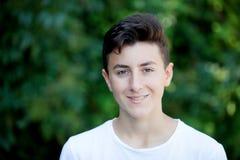 英俊棕色毛发青少年 图库摄影