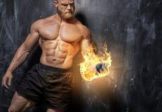 英俊的力量运动人爱好健美者 免版税库存照片