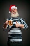 英俊的水手 海员 啤酒克劳斯・圣诞老人 免版税图库摄影