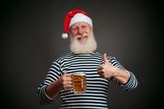 英俊的水手 海员 啤酒克劳斯・圣诞老人 库存照片