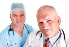 英俊的医疗队 免版税库存图片