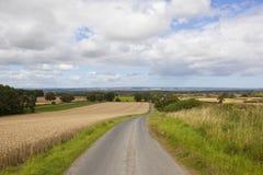 英国乡下公路 免版税库存图片