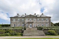英国乡间别墅和花圃 库存照片