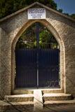 英国公墓的词条门在加德满都,尼泊尔 库存照片