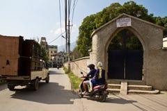 英国公墓的词条门在加德满都,尼泊尔 免版税库存照片
