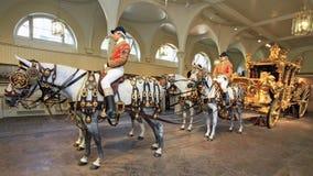 英国冠的教练,白金汉宫,伦敦,英国 免版税库存图片
