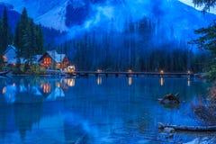 英国加拿大哥伦比亚鲜绿色湖找出国家公园yoho 图库摄影