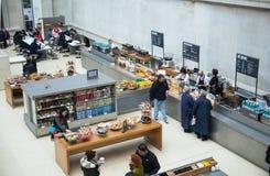 英国博物馆 主要大厅内部有图书馆的在一个内在围场 免版税图库摄影