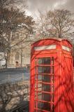 英国古板的象-红色电话亭 免版税库存照片