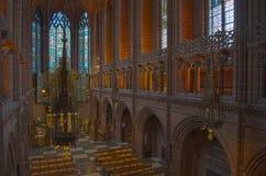 英国国教大教堂儿童的利物浦视窗 免版税库存照片